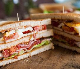 preparare il club sandwich fatto in casa